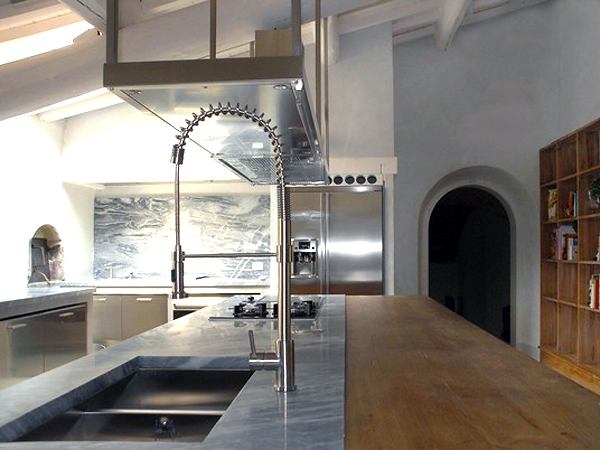 b-arch studio's Country Kitchen - sink in island